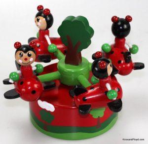 Music box - 4 ladybugs flying
