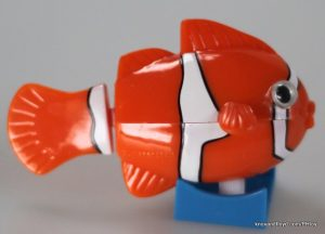 Wind-up swimming CLOWN FISH